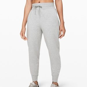 Lululemon Rest for Resilience Jogger Size 4 NWT